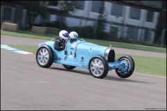 drivein_bugatti_4