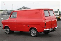 retro_show_ford_transit_2
