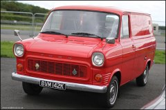 retro_show_ford_transit_3